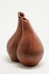 Philip Cohen Photographic image of Zahava Sherez ceramics