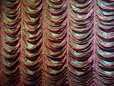 CurtainIRRIDESCENT