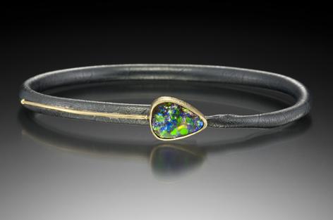 Opal_line_bracelet