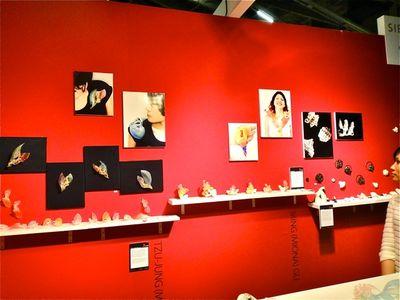 Linda-Savineau-red-wall-white-shelves