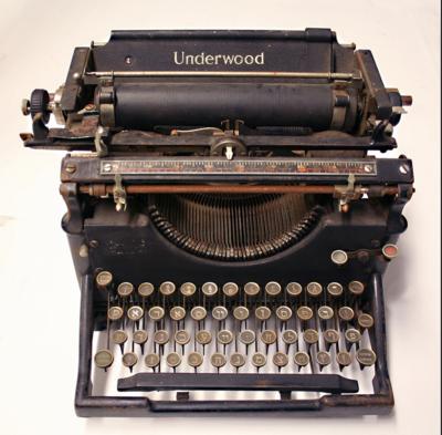 Typewriter-Underwood-Manual-Hebrew-Yiddush