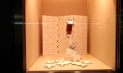 Window-display-puzzle-pieces-small