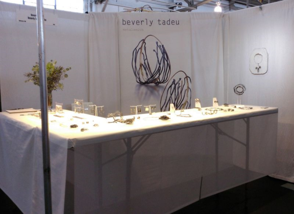 Beverly-Tadeu-booth-display