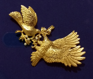 Dove-and-eagle-read-My-pins