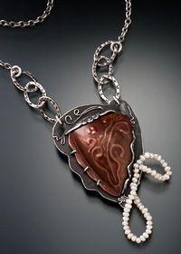 Lora-Hart-pendant