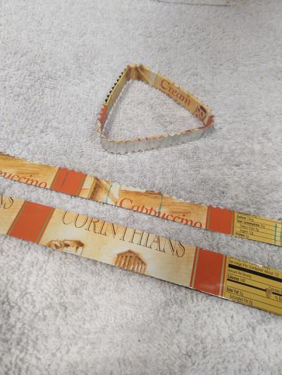 Making-wrist-for-tin-can-bracelet
